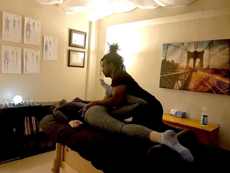 tui na massage therapy lower body